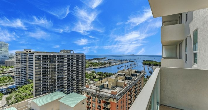 2 34Incredible City Water View Corner Deluxe Studio in Coconut Grove