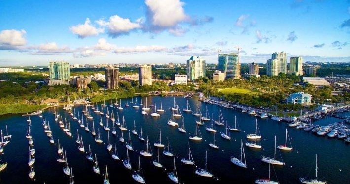 stunning city view studio front 1800x1200